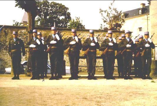 Prise-darmes-a-Chateauroux-de-la-section-NATA-1984